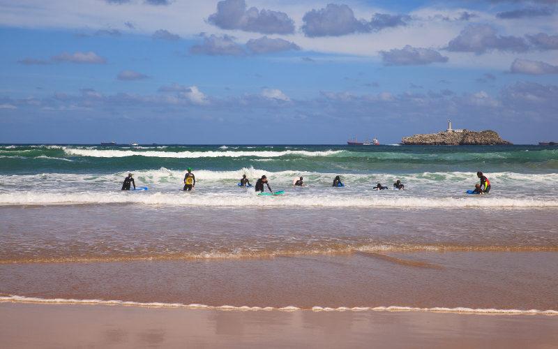 Santander surfers